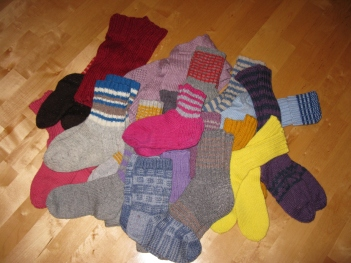 Woolen_socks_on_the_floor